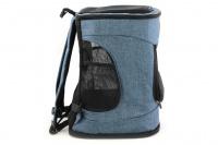 Batoh na psa s nosností 6 kg. Polstrované popruhy i zadní stěna, spodní, přední i horní část batohu na zip, vyjímatelné dno. Barva modro-černá. (5)
