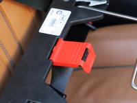 Certifikovaný BOX 4pets Penthouse Montreal pro přepravu malých psů v autě s unikátním dokovacím systémem a vyjímatelnou schránkou. Certifikace TÜV + crash testy, splňuje standardy IATA. (16)