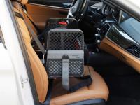 Certifikovaný BOX 4pets Penthouse Montreal pro přepravu malých psů v autě s unikátním dokovacím systémem a vyjímatelnou schránkou. Certifikace TÜV + crash testy, splňuje standardy IATA. (5)