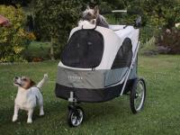 Velký kočárek pro psy s 38cm kolečky a nosností až 45 kg patřící k největším kočárkům pro psy na trhu. Rozměry kabiny 85 × 55 × 60 cm, možnost připevnění upravovacího stolku. FOTO 4