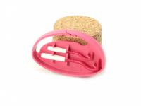 Funkční háčky na klíšťata v praktickém plastovém pouzdru s možností připnutí na batoh apod. Obsahuje dva háčky na malá i větší klíšťata. Výběr barev. (3)