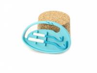 Funkční háčky na klíšťata v praktickém plastovém pouzdru s možností připnutí na batoh apod. Obsahuje dva háčky na malá i větší klíšťata. Výběr barev. (4)