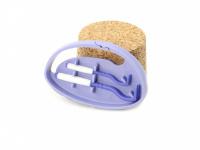 Funkční háčky na klíšťata v praktickém plastovém pouzdru s možností připnutí na batoh apod. Obsahuje dva háčky na malá i větší klíšťata. Výběr barev. (5)