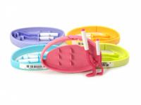 Funkční háčky na klíšťata v praktickém plastovém pouzdru s možností připnutí na batoh apod. Obsahuje dva háčky na malá i větší klíšťata. Výběr barev.