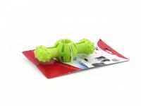 Hračka pro psy do vody od CAMON z pěnové TPR gumy. Strukturovaný povrch vhodný pro aportování, rozměry 14 × 5 × 4 cm, barvy zelená a oranžová. (4)