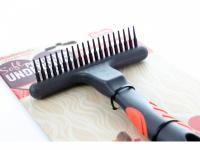 Hřeben pro psy od Soft Protection Salon z řady hřebenů, kartáčů a dalších nástrojů pro péči o srst vašich domácích mazlíčků. (4)