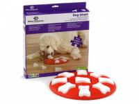 Interaktivní hra zaměstná vašeho psa, pomůže redukovat destruktivní chování a podpoří jeho mentální rozvoj. DOG SMART je hra pro psy základní úrovně, při které pes odhaluje vzrušující skryté odměny.