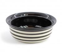Keramická miska pro psy ve stylovém černém designu. Na výběr velikosti pro malá, střední i větší plemena psů, barva černobílá. (3)