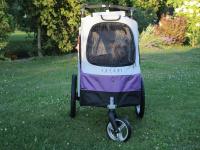 Kočárek pro psy s 38cm kolečky a nosností až 30 kg. Rozměry kabiny 72 × 45 × 60 cm, možnost připevnění upravovacího stolku. Barva fialovo-šedá. FOTO 6