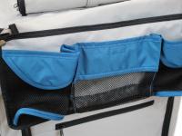 Kočárek pro psy s 38cm kolečky a nosností až 30 kg. Rozměry kabiny 72 × 45 × 60 cm, možnost připevnění upravovacího stolku. Barva modro-šedá. 17