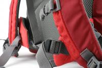 Luxusní a špičkově zpracovaný batoh na psa s nosností až 11 kg. Pevné skořepinové dno, odvětrávaný zádový panel, hrudní a bederní pásy pro ideální rozložení váhy. Barva šedo-červená. (11)