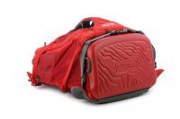 Luxusní a špičkově zpracovaný batoh na psa s nosností až 11 kg. Pevné skořepinové dno, odvětrávaný zádový panel, hrudní a bederní pásy pro ideální rozložení váhy. Barva šedo-červená. (19)