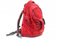 Luxusní a špičkově zpracovaný batoh na psa s nosností až 11 kg. Pevné skořepinové dno, odvětrávaný zádový panel, hrudní a bederní pásy pro ideální rozložení váhy. Barva šedo-červená. (7)