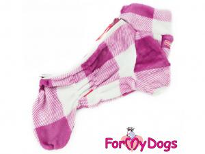 Obleček pro fenky – zimní overal FUCHSIA od ForMyDogs z jednovrstvé plyšové kožešiny. Zapínání na zip zádech, zvýšený límec pro lepší ochranu krku.