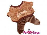 Obleček pro psy i fenky – teplý overal LOVE BROWN od ForMyDogs z měkoučkého materiálu. Zapínání na druky na bříšku, pružné lemy.