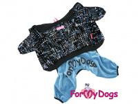 Obleček pro psy i fenky – lehoučký velurový overal s kapucí BLUE TONES od ForMyDogs. Vhodný i do suchého chladnějšího počasí nebo pro domácí nošení.