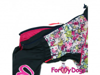 Obleček pro fenky malých až středních plemen – komfortní a funkční pláštěnka COLOR FLOWERS od For My Dogs. Zapínání na zip na zádech, hedvábná podšívka, reflexní prvky. (3)