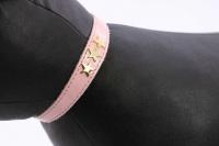 Luxusní kožený obojek pro kočky BOBBY – růžový se zlatými hvězdami. Klasické zapínání s bezpečnostní gumou, univerzální velikost (3).