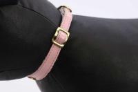 Luxusní kožený obojek pro kočky BOBBY – růžový se zlatými hvězdami. Klasické zapínání s bezpečnostní gumou, univerzální velikost (4).