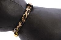 Stylový obojek pro kočky ROSEWOOD z měkoučkého semiše s gepardím vzorem. Bezpečnostní plastová spona, univerzální velikost (3).