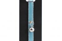 Luxusní kožený obojek pro kočky BOBBY – perleťově modrý s rolničkou. Klasické zapínání s bezpečnostní gumou, univerzální velikost (2).