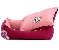 Luxusní pelíšek pro psy BOBBY CORBEILLE IMAGINE s pevným vysokým okrajem a vyjímatelnou podložkou. Potah lze sundat a prát v pračce, rozměry 60 × 51 cm. (7)
