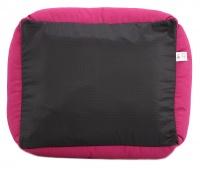 Luxusní pelíšek pro psy BOBBY CORBEILLE IMAGINE s pevným vysokým okrajem a vyjímatelnou podložkou. Potah lze sundat a prát v pračce, rozměry 60 × 51 cm. (6)