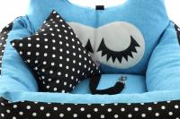 Modrá autosedačka pro psy – pelíšek pro pohodlné cestování a ochranu autosedadel před psími chlupy, nečistotami a poškozením. (11)