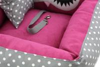 Růžová autosedačka pro psy – pelíšek pro pohodlné cestování a ochranu autosedadel před psími chlupy, nečistotami a poškozením. (10)