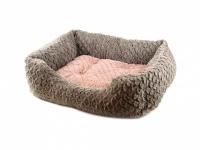 Huňatý pelíšek pro psy dostupný v několika velikostech