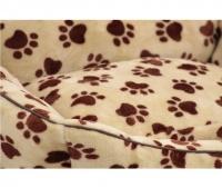 Pelíšek pro psy od For My Dogs. Měkoučké bočnice, nadýchaný vyjímatelný polštář, celý pelíšek je vyrobený z plyšového flísu. Barva béžová. (3)