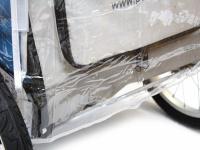Pláštěnka proti dešti určená na kočárek pro psy PetStro SAFARI. Snadné nasazení a upevnění pomocí suchých zipů, zakrývá celý kočárek. (7)