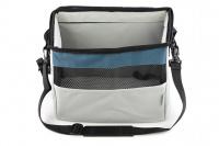 Luxusní box-taška na psa k připevnění na řídítka. Pevná stabilní konstrukce, jednoduché uchycení pomocí nylonových popruhů, vpředu kapsa na zip, možnost přenášení přes rameno. Maximální nosnost 10 kg, rozměry 40 × 25 × 30 cm. (4)