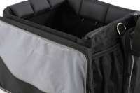 Přepravní box-taška na psa k připevnění na řídítka. Vyztužený rám, měkké polstrování, reflexní prvky, kapsy na zip, možnost přenášení přes rameno. Nosnost 7 kg, rozměry 41 × 26 × 26 cm. (11)3
