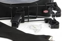 Přepravní box-taška na psa k připevnění na řídítka. Vyztužený rám, měkké polstrování, reflexní prvky, kapsy na zip, možnost přenášení přes rameno. Nosnost 7 kg, rozměry 41 × 26 × 26 cm. (16)