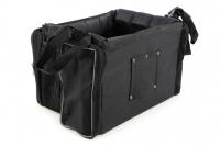Přepravní box-taška na psa k připevnění na řídítka. Vyztužený rám, měkké polstrování, reflexní prvky, kapsy na zip, možnost přenášení přes rameno. Nosnost 7 kg, rozměry 41 × 26 × 26 cm. (5)