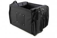 Přepravní box-taška na psa k připevnění na řídítka. Vyztužený rám, měkké polstrování, reflexní prvky, kapsy na zip, možnost přenášení přes rameno. Nosnost 7 kg, rozměry 41 × 26 × 26 cm. (7)