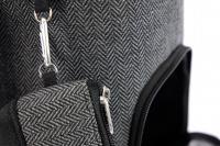 Luxusní taška na psy v praktickém designu a precizním provedení od HUNTER. Tři síťované strany, vyjímatelná podložka, bezpečnostní poutko s karabinou. Nosnost 8 kg. (8)