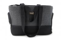 Luxusní taška na psy v praktickém designu a precizním provedení od HUNTER. Tři síťované strany, vyjímatelná podložka, bezpečnostní poutko s karabinou. Nosnost 8 kg.