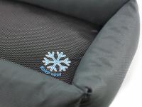 """Unikátní oboustranný pelíšek pro psy s funkcí """"Thermo switch"""" – z jedné strany hřející, z druhé chladivý. Barva šedá. (5)"""