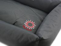 """Unikátní oboustranný pelíšek pro psy s funkcí """"Thermo switch"""" – z jedné strany hřející, z druhé chladivý. Barva šedá. (7)"""