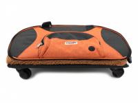 Prostorná transportní taška na psy CAMON s odnímatelnými kolečky a výsuvným madlem. Nosnost 13 kg, lze nosit samostatně, rozměry 53 × 31 × 31 cm. (13)