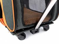 Prostorná transportní taška na psy CAMON s odnímatelnými kolečky a výsuvným madlem. Nosnost 13 kg, lze nosit samostatně, rozměry 53 × 31 × 31 cm. (16)