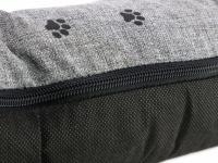 Praktická nepromokavá podložka pro psy PAWS s originálním vzorem. Voděodolný materiál, snadná údržba, výplň polyuretanová pěna. Barva šedá. (6)
