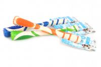 Žvýkací hračka pro větší psy pro zábavnou dentální hygienu – dentální tyčinka AFP Dental ze speciálně tvarované gumy s výstupky. Výběr barev, velikost 18 cm. (2)