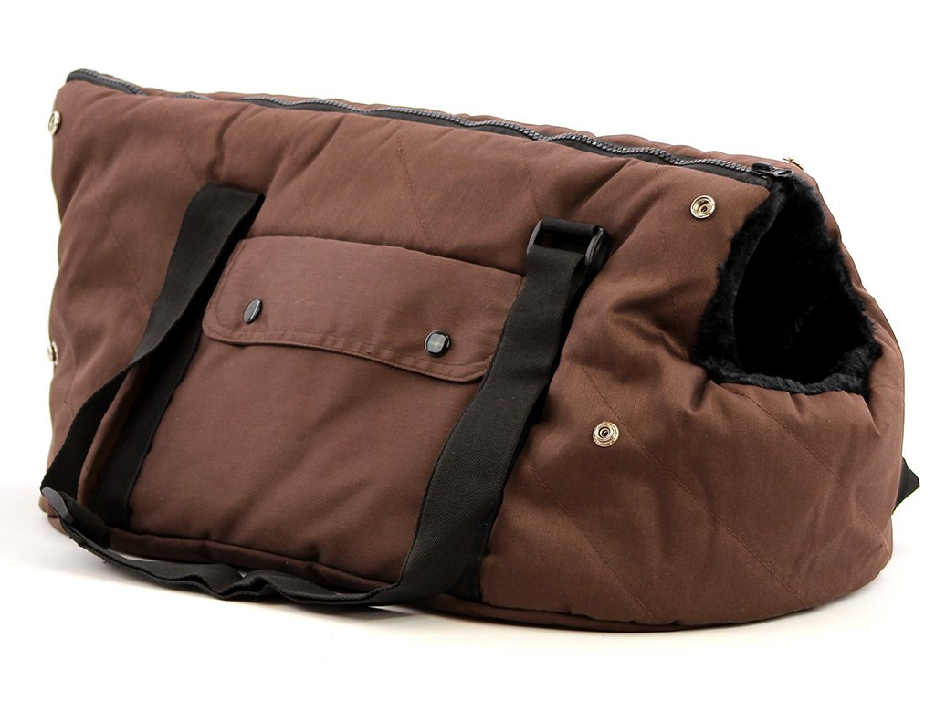 Taška na psy od BOBBY z měkkého a příjemného materiálu vhodná pro štěňata, jorkšíry, čivavy apod. Nosnost 5 kg, barva hnědá.