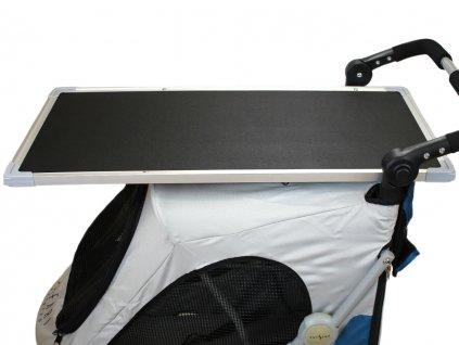 upravovaci stolek na kocarek petstro safari 4