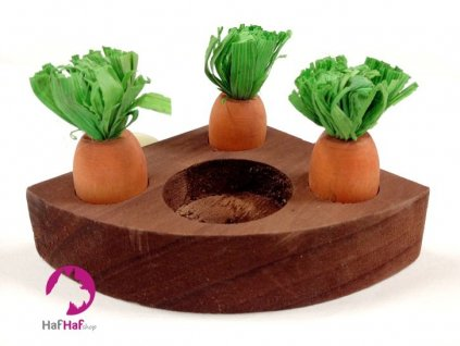 Hračka pro hlodavce CARROT TOY N' TREAT HOLDER