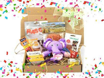 Dárkový balíček pro štěňata s pamlsky, pískací hračkou – slonem – a gumovým žvýkacím kroužkem