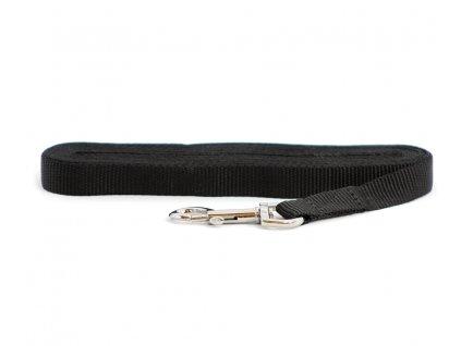 Lehoučké stopovací vodítko pro psy z plochého nylonu s pochromovanou karabinou. Délka 6 m, šířka popruhu 19 mm, karabina 8 cm, barva černá.